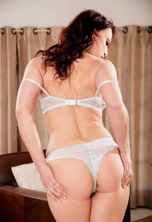 Red-haired Sexually available mom demonstrates she is still in good shape by unclothing