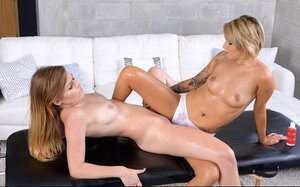 Smoking hot broad turns the tables on lesbian masseuse right on the massage table