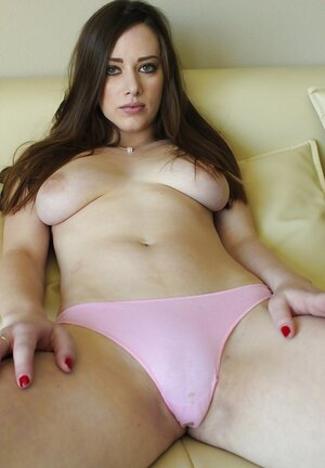 Sexy broad takes selfies as she strips off clothes and moreover flashes fuck hole